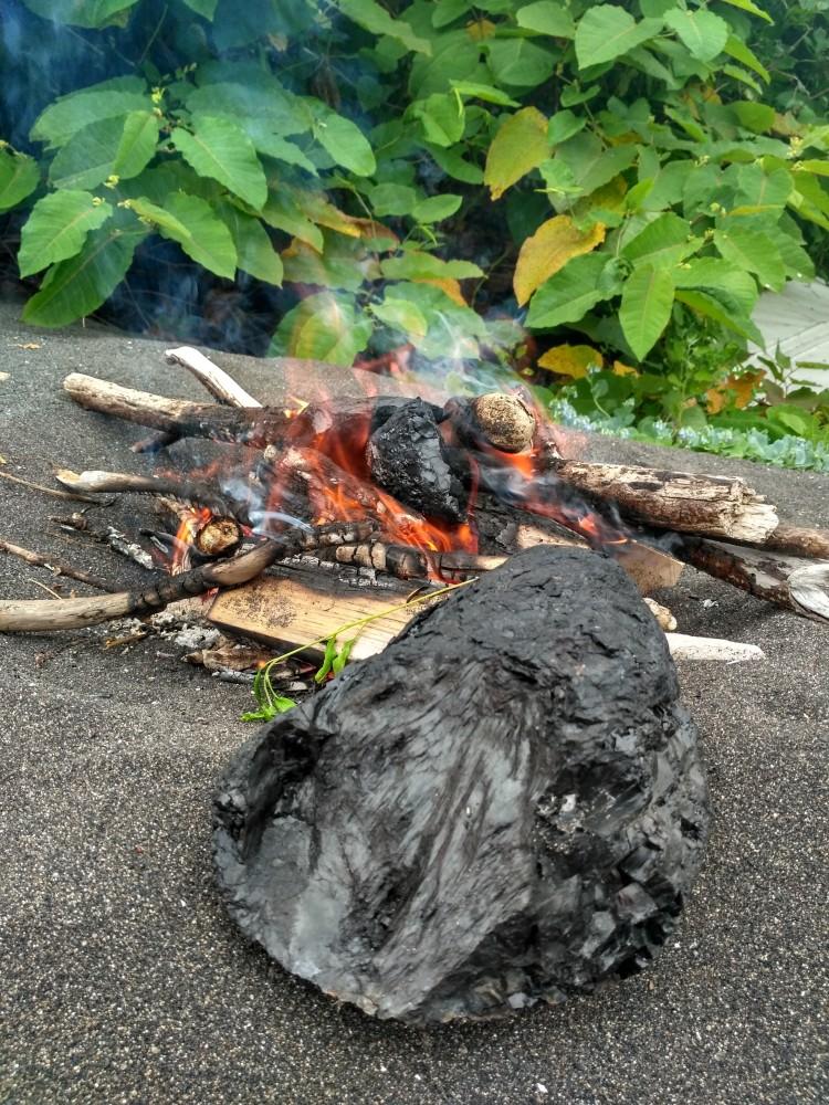 Костер из угля. Сахалин.